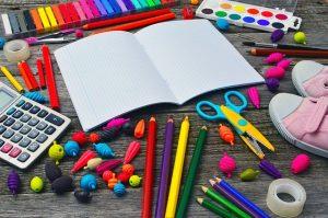 Kolorowe przybory szkolne